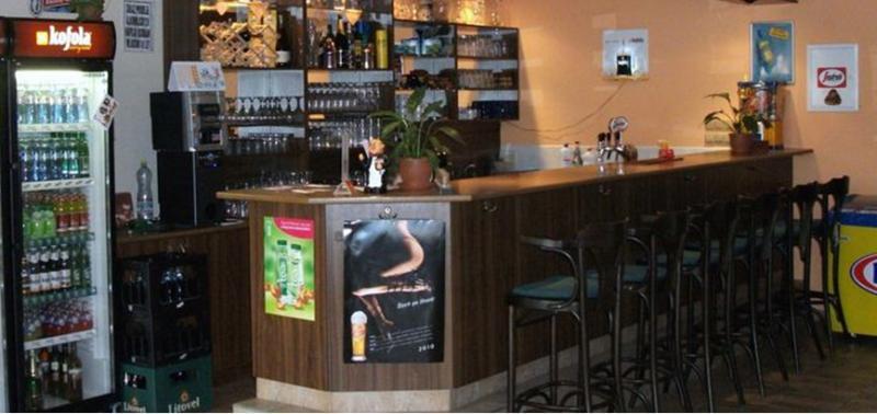 restaurace za školou, obrázek se otevře v novém okně