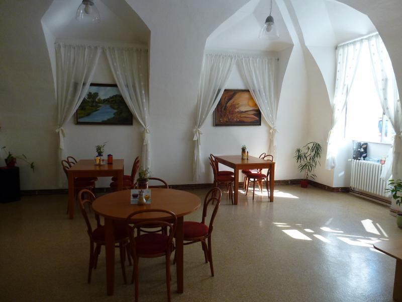 Kavárna Riviéra (Moravel) (7), obrázek se otevře v novém okně