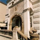 Sochova vila vchod